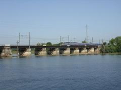 Gare d'Auxonne - English: Auxonne, Burgundy, France, La Saône, Pont ferroviaire, ligne Dijon-Dole-Besançon, et Dole-Vallorbe (Suisse)
