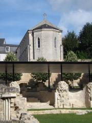Eglise clunisienne Saint-Laurent - Deutsch: La Charité-sur-Loire: Ruinen der Église Saint-Laurent