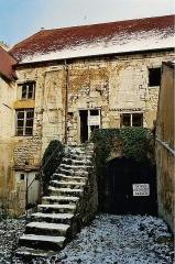 Grenier à sel - Deutsch: Der ehemalige Salzspeicher in der Stadt. Im 12. Jahrhundert als Obdach für Pilger errichtet