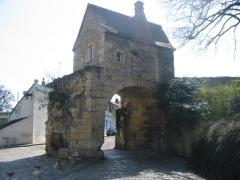 Immeuble dénommé Avant-Porte du Croux - Français:   Cette avant-porte du Croux, à Nevers, fut construite en 1422.