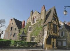 Maison du 15e siècle - English: 15th century house in Nevers, Burgundy (France)