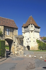 Porte du Croux - Deutsch: Nevers, Porte du Croix mit Barbacane