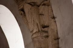 Eglise Saint-Pierre - English:  Facing birds.