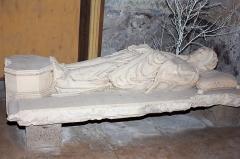 Eglise Saint-Pierre -  Recumbent effigy representing a prior.
