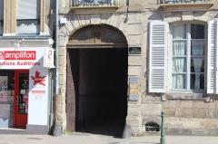 Immeuble - Français:   Immeuble, 3 rue Jean-et-Bernard-de-Lattre-de-Tassigny, Autun.