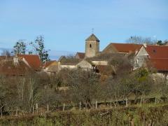 Eglise - Français:   Bissy-sur-Fley Vue d\'ensemble du village avec l\'église.