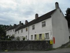 Cité ouvrière de la Combe des Mineurs -  Cité ouvrière de la Combe des Mineurs au Creusot (Saône-et-Loire). La cité est construite en 1826 à l\'initiative des maîtres de forges de l\'époque, les anglais Manby et Wilson.