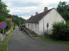 Cité ouvrière de la Combe des Mineurs -  Cité ouvrière de la Combe des Mineurs au Creusot (Saône-et-Loire). Vue de l\'impasse à l\'arrière de la cité.