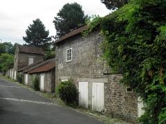 Cité ouvrière de la Combe des Mineurs -  Cité ouvrière de la Combe des Mineurs au Creusot (Saône-et-Loire). Vue des annexes de la cité.