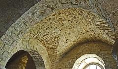 Eglise - Deutsch: St-Bathélémy, Farges, Kreuzgratgewölbe im Seitenschiff