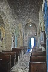 Eglise - Deutsch: St-Bathélémy, Farges, Mittelschiff nach hinten