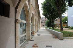 Couvent des Cordeliers  ou ancienne gendarmerie - Français:   Couvent des Cordeliers de Mâcon depuis le jardin du 1er Mai.