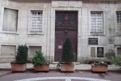Hospice de la Charité - Français:   porte de l\'hospice dela Charité sur la rue Carnot,Mâcon