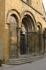 Eglise Saint-Nicolas -  Façade ouest de l'église de Marcigny