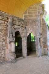 Château de Germolles - English: Germolles, Ducal chapel with entries of choir and oratory