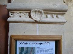 Eglise Saint-Symphorien - English: Mercury (Saône-et-Loire,_Fr) saint James shell in the church.