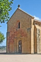 Eglise Saint-Pierre Saint-Paul - Deutsch: Sts-Pierre-et-Paul de Montceaux l'Étoile, von SW