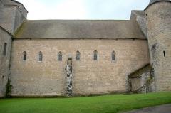 Eglise Saint-Pierre et Saint-Benoît - Deutsch: Abteikirche, Langhaus von NW