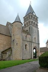 Eglise Saint-Pierre et Saint-Benoît - Deutsch: Prioratskirche, Westwerk von N