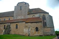 Eglise Saint-Pierre et Saint-Benoît - Deutsch: Prioratskirche, Querhaus und Chorhaupt von SO