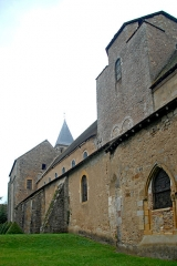Eglise Saint-Pierre et Saint-Benoît - Deutsch: Prioratskirche, Südostseite von NO