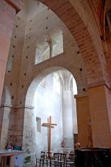 Eglise Saint-Pierre et Saint-Benoît - Deutsch: Prioratskirche, nordwestl. Vierungswand