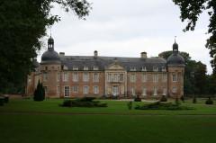Château, actuellement écomusée de la Bresse bourguignonne - Deutsch: Pierre-de-Bresse, Schloss / volkskundliches Museum der Bresse, Aufnahme von Osten
