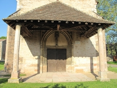 Eglise - English: Entrance porch of the church Notre-Dame in Préty (Saône-et-Loire, France).