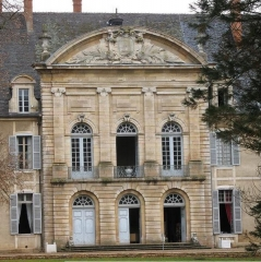 Château de la Ferté-sur-Grosne, ancienne abbaye cistercienne -  château de la Ferté - aint-Ambreuil (Saône-et-Loire)