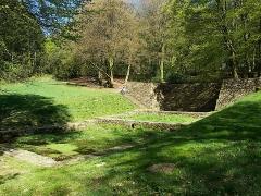Oppidum du Mont-Beuvray, dit aussi oppidum de Bibracte (également sur commune de Glux-en-Glenne, dans la Nièvre) -  Freshwater spring, Mont Beuvray