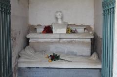 Eglise et tombeau de Lamartine - Français:   Tombeau de Lamartine, Saint-Point.