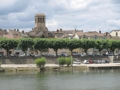 Eglise de la Madeleine - English: Church Sainte-Madeleine in Tournus on the banks of Saone river, Saône-et-Loire, France