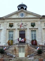 Hôtel de ville - Français:   Tournus - Hôtel de ville