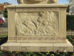 Monument aux morts - English: Base of the war memorial of Tournus (Saône-et-Loire, France).