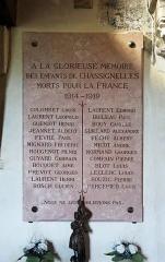 Eglise Saint-Jean-Baptiste - Nederlands: Chassignelles (departement Yonne, Frankrijk): interieur van de Sint-Jan-de-Doperkerk - detail: gedenkplaat voor de overledenen van de Eerste Wereldoorlog