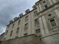 Ancien château des Comtes de Gondi - English: Joigny, Yonne, Burgundy, FRANCE