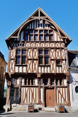 Maison de bois ou maison du bailli - Deutsch:   Maison du Bailliage, Joigny, Département Yonne, Region Burgund (heute Burgund-Franche-Comté), Frankreich