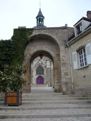 Porte Saint-Jean - Français:   Église Saint-Jean de Joigny: porche d\'entrée