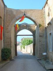 Enceinte de la ville -  Montréal (Yonne) - fortifications  Porte d'en Bas