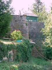 Enceinte de la ville -  Montréal (Yonne) - fortifications  Rempart et tour