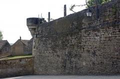 Enceinte de la ville - Français:   Cuve d\'échauguette.