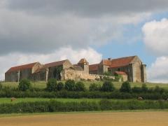 Maison-forte -  vue du château de Pisy, Yonne