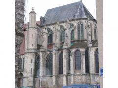 Eglise Saint-Pierre -  La collegiale de Saint-Julien-du-Sault coté Mairie    La collégiale st pierre