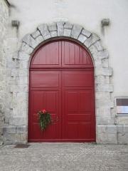 Eglise Saint-Pierre - Portail de l'église Saint-Pierre de Saint-Julien-du-Sault (diocèse de Sens-Auxerre).