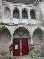 Eglise Saint-Pierre - Portail Nord de l'église de Saint-Julien-du-Sault.