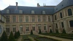 Ancien archevêché ou ancien palais archiépiscopal -  89100 Sens, France