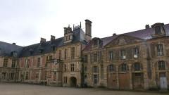 Ancien archevêché ou ancien palais archiépiscopal - Nederlands: Sens, Frankrijk - het voormalig aartsbisschoppelijk paleis met het museum van Sens