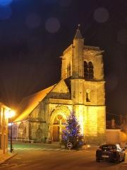Eglise Saint-Julien - Français:   Thury (Yonne, France) , la nuit en décembre 2016
