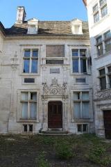 Hôtel d'Uzès - Français:   Hôtel d\'Uzès, Tonnerre.