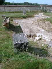Ancienne abbaye cistercienne de Reigny, sise au hameau de Reigny -  Ancienne abbaye cistercienne de Reigny (Vermenton, Yonne)   fondations de la nouvelle église (XVIIIe siècle)